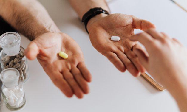 Ficatul și interacțiunile nocive cu medicamentele